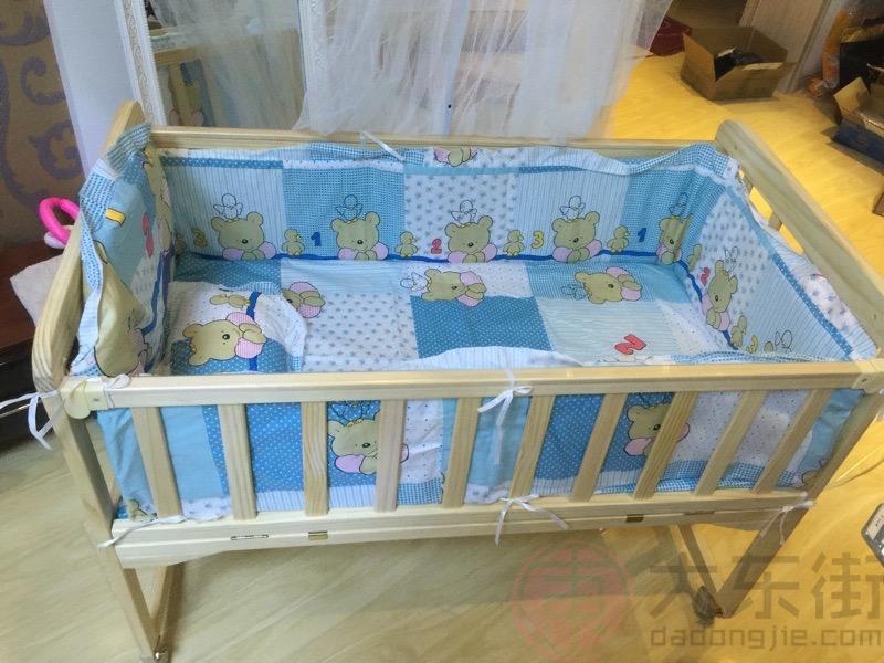 实木婴儿床图片宝妈晒照3